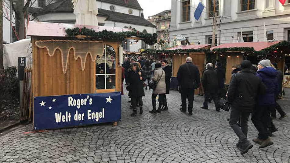 On a recent visit to a Christmas market in Lucerne, I noticed this. It translates to 'Roger's world of Angels' which I thought was quite lovely!