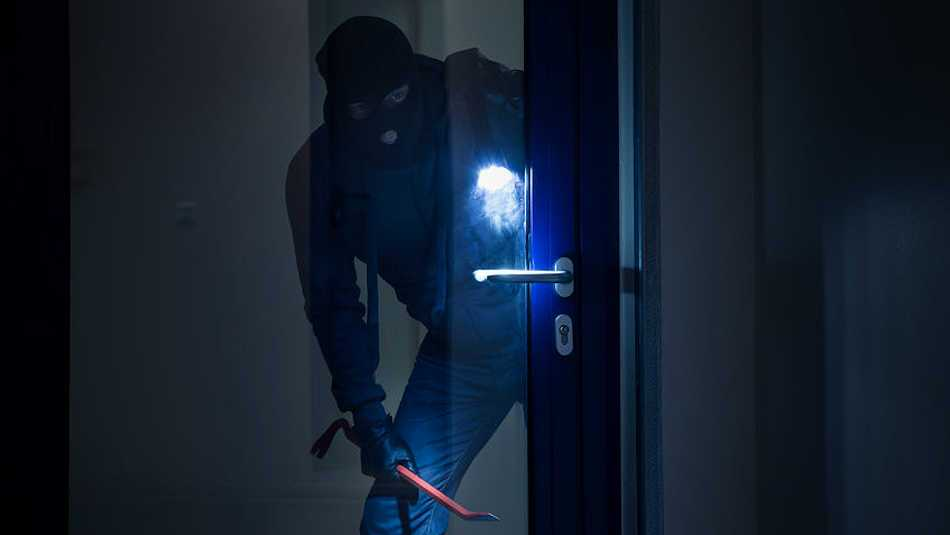 These are some top tips from Thames Valley Police on how to protect your premises from burglars!